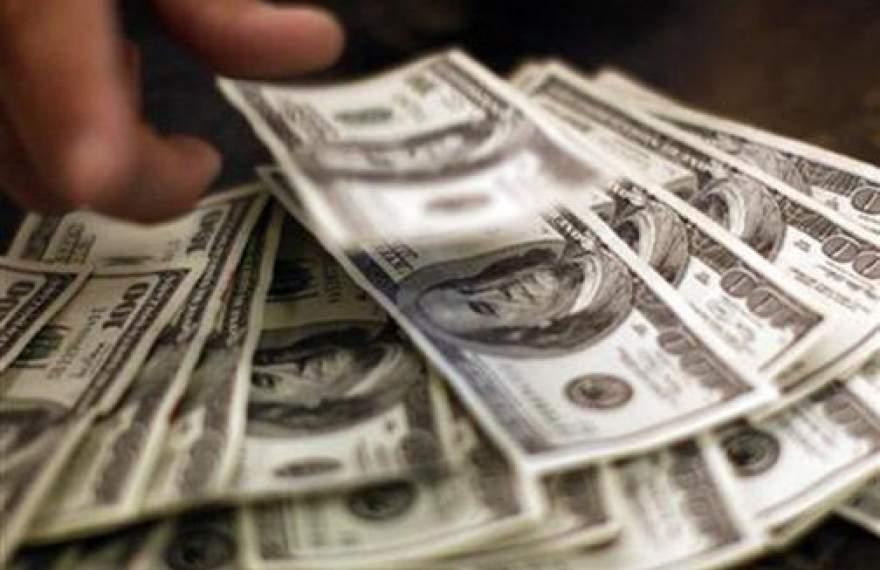 دلار در کانال ۱۱ هزار تومان عقب رفت